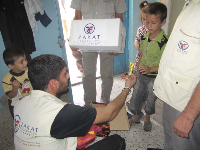 Zakat Foundation of America - ZF Distributing Blankets and Food Packages to Syrian Refugees
